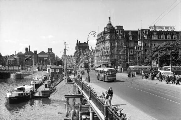 Prins Hendrikkade - Victoria Hotel 1949